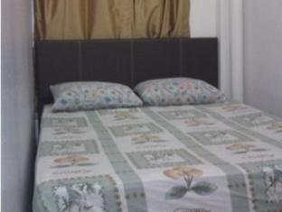 Le Village Malacca Guest House Malacca / Melaka - Double Bed Fan with Window