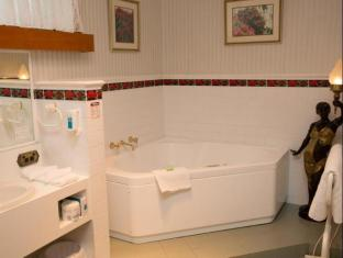 Motel Mayfair on Cavell Hobart - Bowen Room Spa