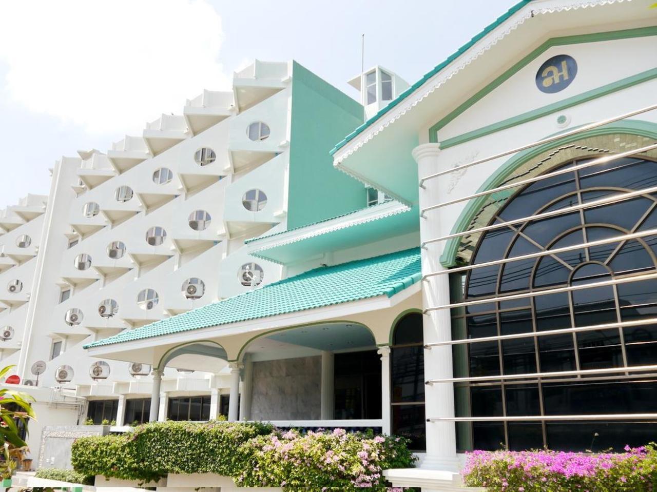โรงแรมเลิศนิมิตร ชัยภูมิ (Lertnimitra Hotel)