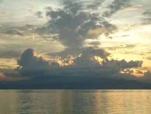 Bonita Oasis Beach Resort Cebu - Bonita sunset view