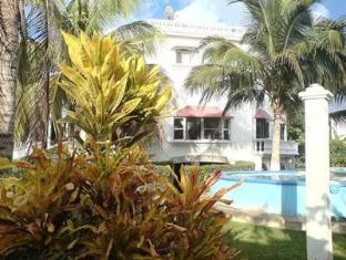 Mansion Giahn Bed & Breakfast Cancun - Swimming Pool Area