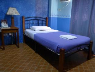 Mayflower Inn Cebu - Guest Room