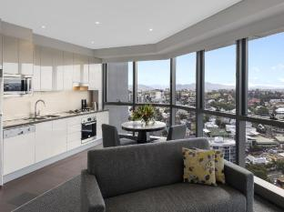 Meriton Serviced Apartments Adelaide Street Brisbane - View