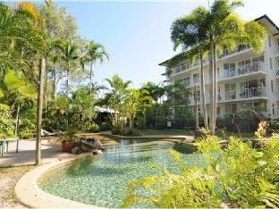 Golden Sands Beachfront Apartment Resort