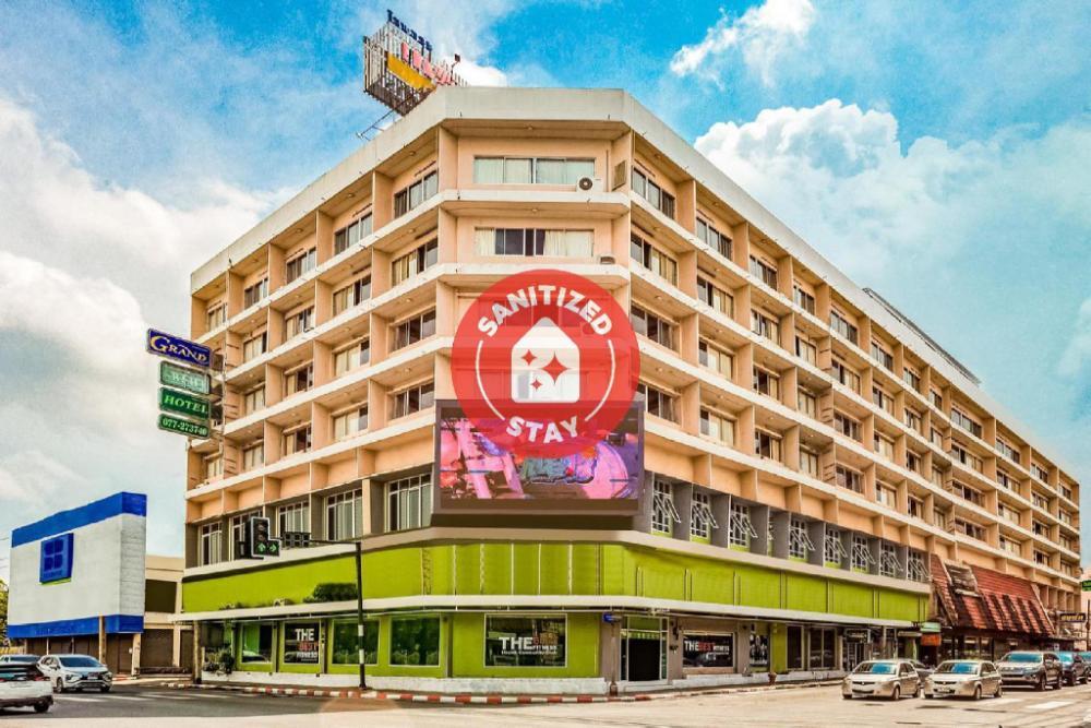 OYO 441 Grand Thara Hotel