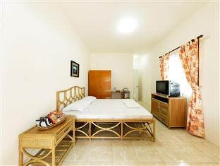 Barefoot White Beach Resort Cebu City - Quartos