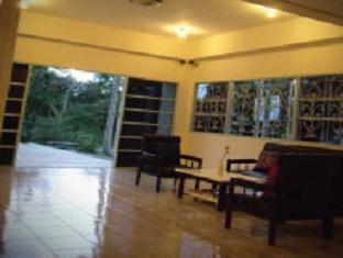 booking Chumphon Albatross Guesthouse @ Thungwualaen Beach hotel