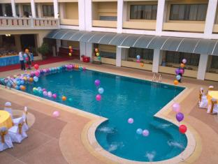 Khounxay Hotel Vientiane - Swimming Pool