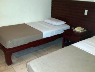 Bacolod Pension Plaza Bacolod (Negros Occidental) - Guest Room