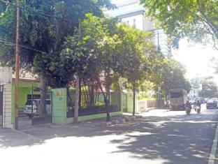 Soerabaja Place Guest House Surabaya - Entrance