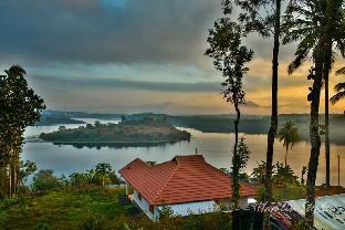 Lake Live Resort Wayanad , Awesome Lake View