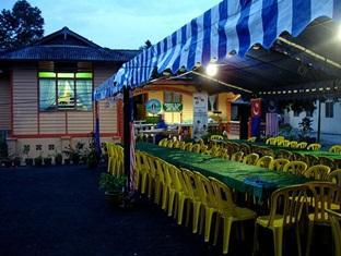 Homestay Tanjung Piai Pontian - Night ambience at The Homestay