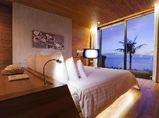 Casa de La Flora Hotel guestroom junior suite