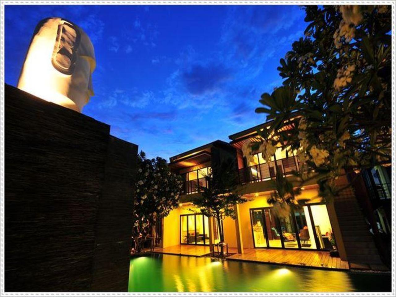 แคปสโตน รีสอร์ท (Capstone Resort)