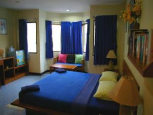 Beshert Guesthouse Phuket - Külalistetuba