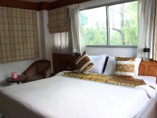 Beach road inn Phuket - Guest Room