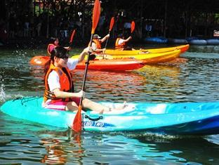 Sinar Serapi Eco Theme Park Resort Kuching - Kayak