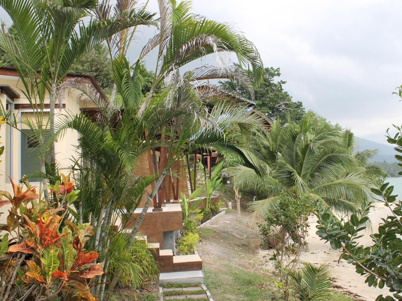 มูนบีช รีสอร์ท (Moonbeach Resort)