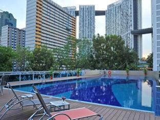 Orchid Hotel Singapore - Swimmingpool