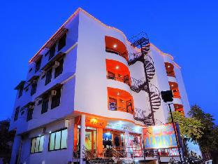 Hotel Alpine Агра