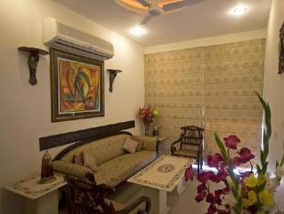 Red Maple Bed and Breakfast New Delhi and NCR - Lobby