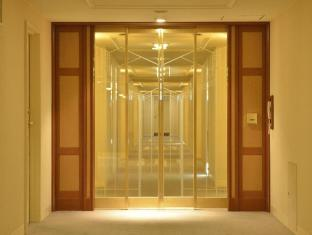 Imperial Hotel Tokyo Tokyo - Security door on each floor(main building)