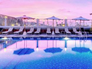 The ASHLEE Heights Patong Hotel & Suites Phuket - Rooftop swimming pool with a salt water chlorination system