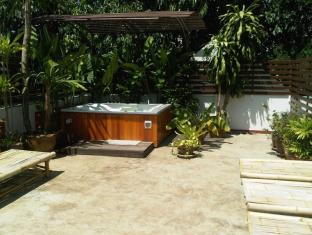 Junior Guesthouse Chiang Mai - Varmt bad