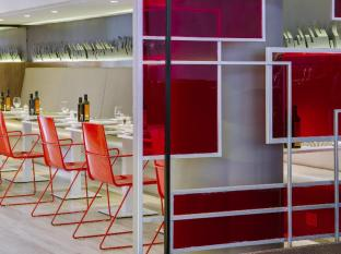 Park Inn by Radisson Foreshore, Cape Town Cape Town - Banquette Seating