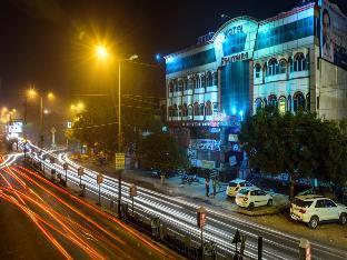 Hotel Solitaire Агра