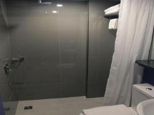 Guijo Suites Makati Manila - Bathroom