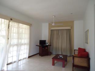 Tamarind Tree Hotel Negombo - Standard Room Interior