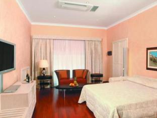 Colosseo Studio Suites