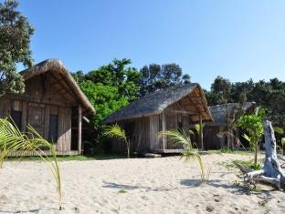 Kingfisher Sand Sea Surf Resort Pagudpud - Exterior hotel
