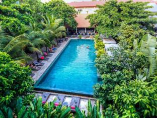 /nb-no/the-plantation-urban-resort-and-spa/hotel/phnom-penh-kh.html?asq=m%2fbyhfkMbKpCH%2fFCE136qcpVlfBHJcSaKGBybnq9vW2FTFRLKniVin9%2fsp2V2hOU