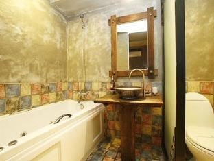 Mac Hotel Seoul - Bathroom
