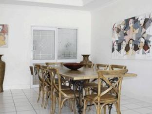 Fish Hoek Luxury Self-Catering Apartments Cape Town - Dining Area