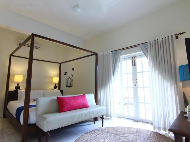 モニュメントホテル