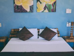 Tepanee Beach Resort Malapascua Island - Guest Room