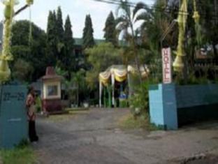 Hotel Tanjung Emas Surabaya - Exterior