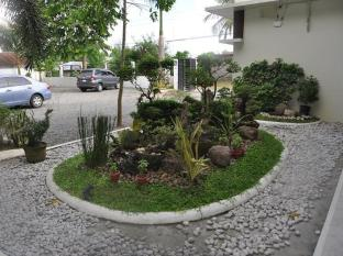 Driggs Pension House General Santos - Garden