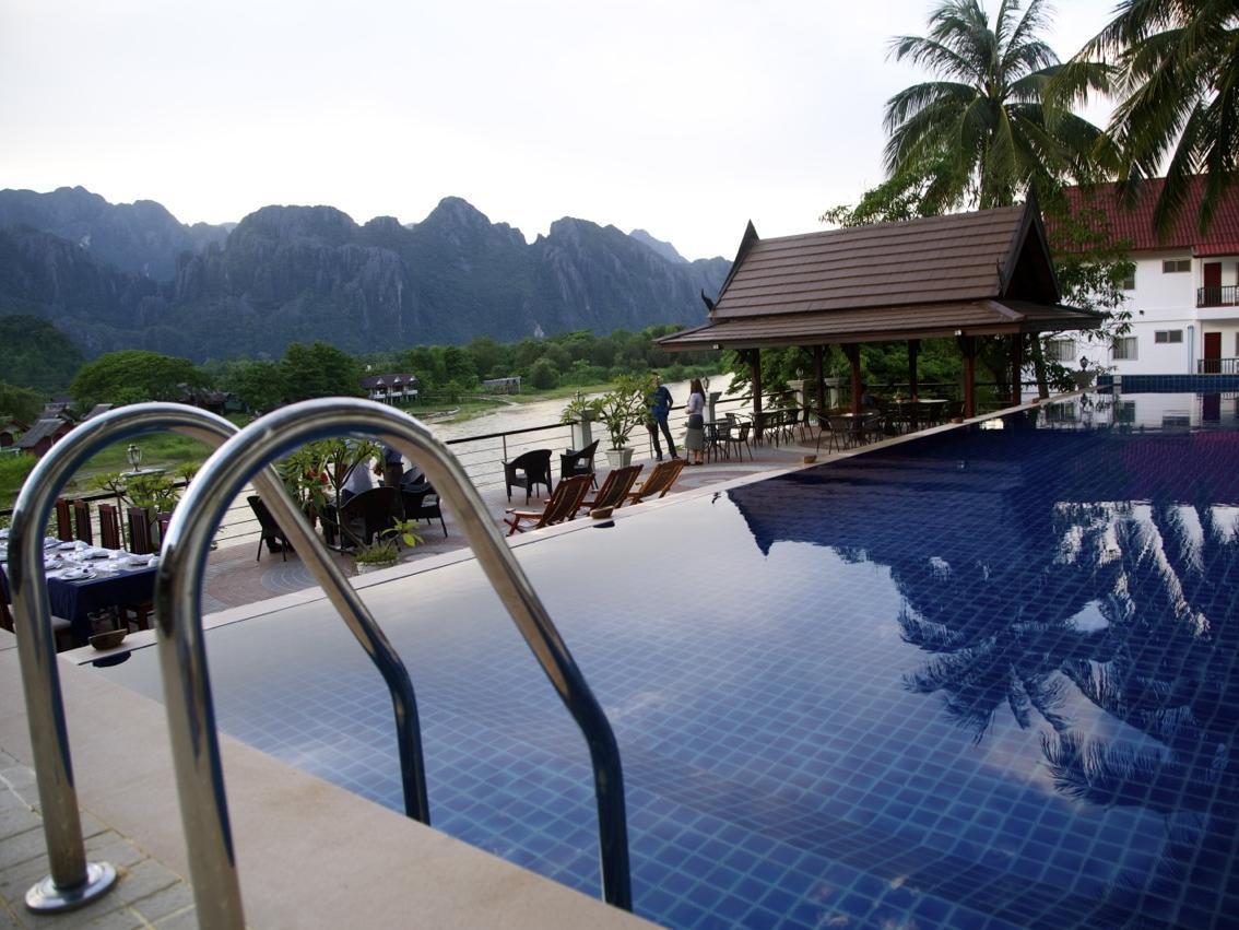 Silver naga hotel vang vieng riverfront vang vieng for Domon guesthouse vang vieng