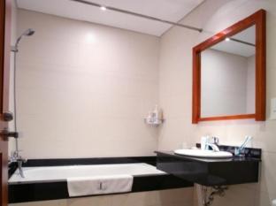 Lancaster Saigon Serviced Apartments Le Thanh Ton Ho Chi Minh City - Bathroom