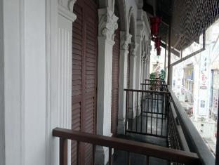 Santa Grand Hotel Lai Chun Yuen Singapore - Superior Double Balcony Room