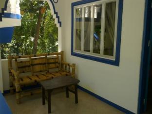 Mangrove Oriental Resort Sebu - Balkonas / terasa