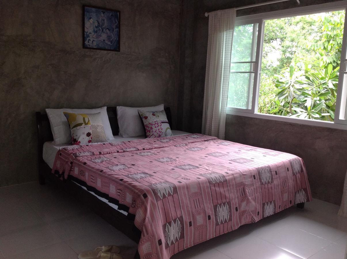 Pimprajan Homestay (Sutta Home)