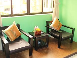 Voi Meas Hotel Phnom Penh - Seating Lounge in room
