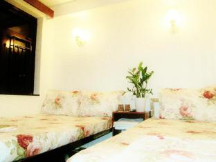 Garden Guest House - Las Vegas Group Hostels HK Hong Kong - Triple Room 1 Double  1 Single Bed