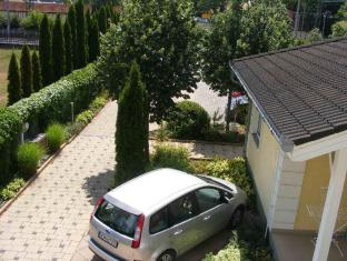 Hotel Haus Csanaky Siofok - Parking Place