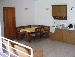 Hotel Haus Csanaky Siofok - Shared Kitchen